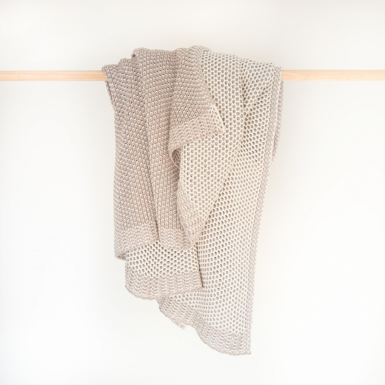 Jolie knitted throw Natural